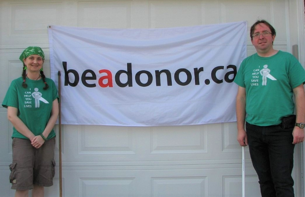 Kidney transplant recipient Jessica Bailey and her husband James Steele promote Be A Donor month